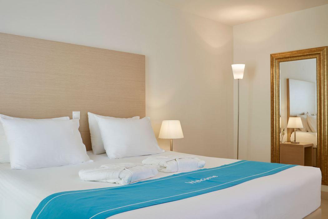 Fantastic Rooms The Island Hotel Interior Design Ideas Clesiryabchikinfo