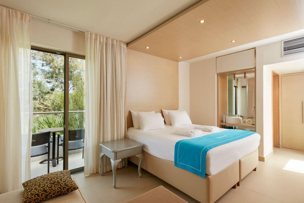 Cool Casual Room The Island Hotel Interior Design Ideas Clesiryabchikinfo