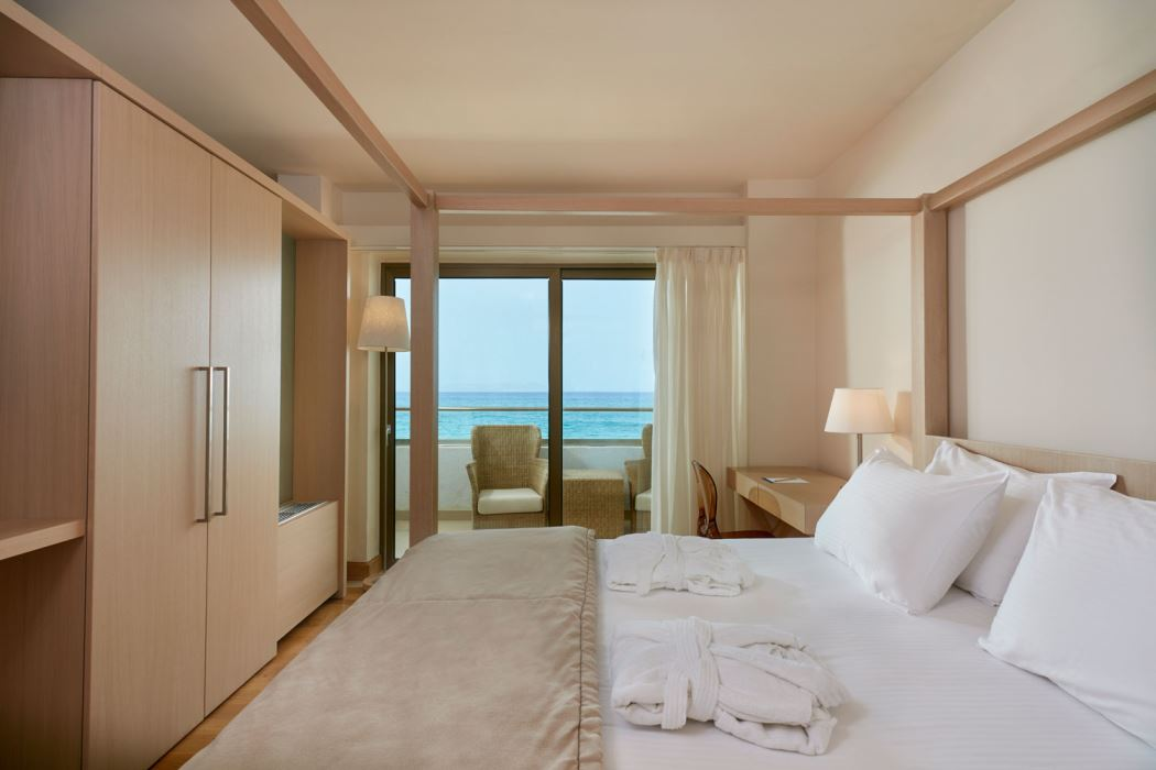 Suite king size bed, Island Hotel Crete