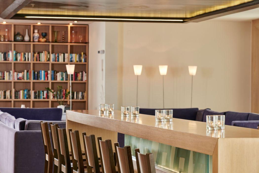 Veranda-bar-library