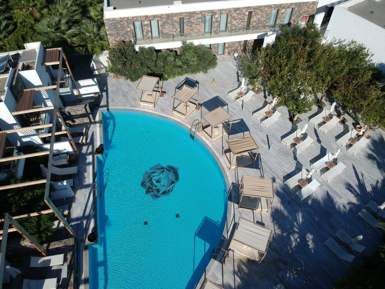 relaxing pool crete