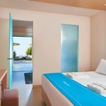 Island Hotel king size beds